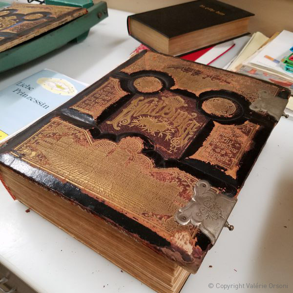 Hutterite bible