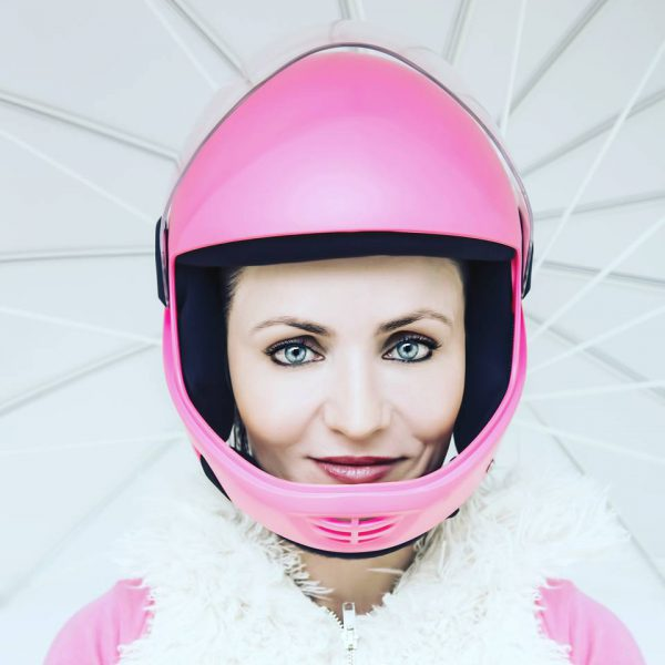 Valerie Orsoni skydiving pink gear