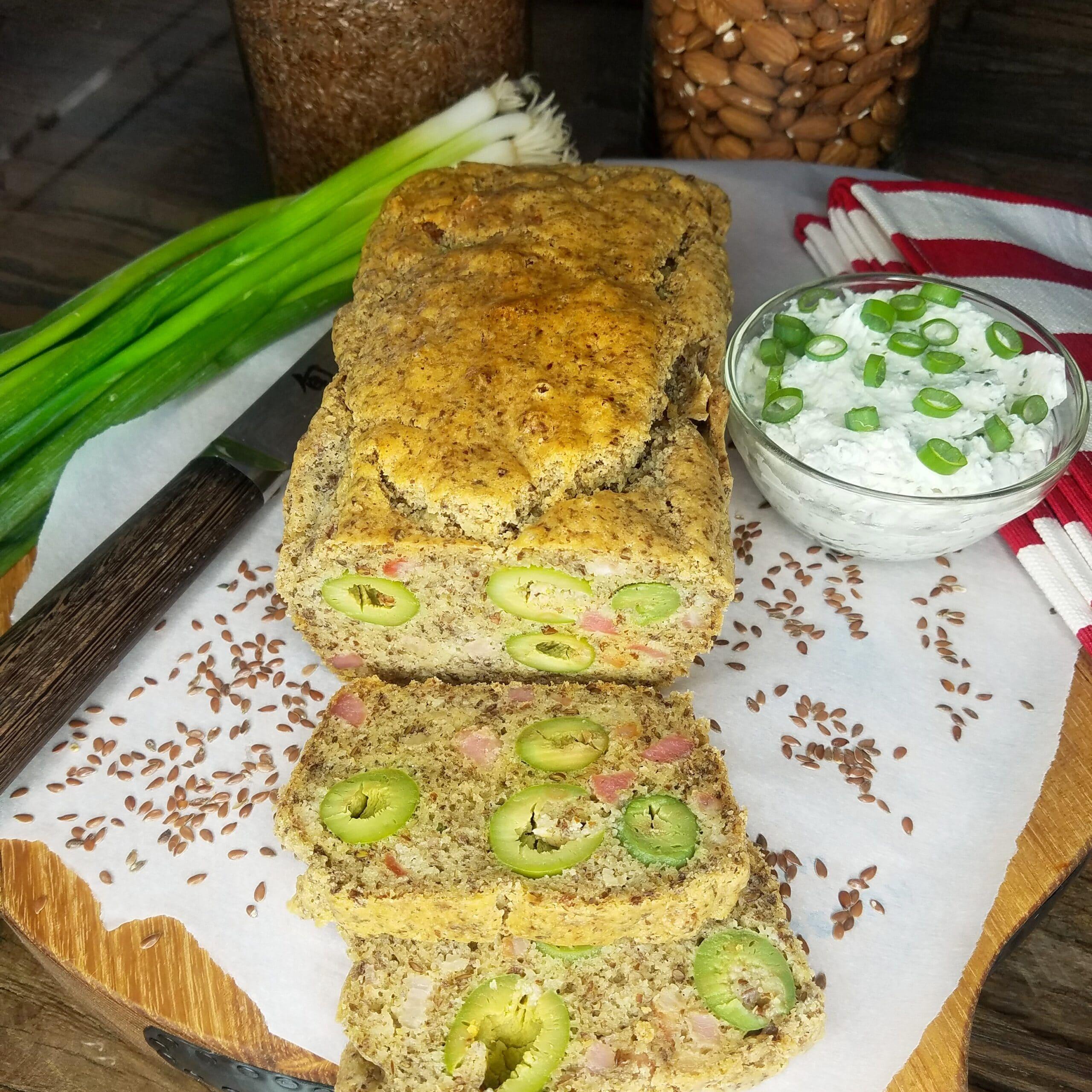 Pain Paléo aux olives & lardons rapide et facile par Valérie Orsoni