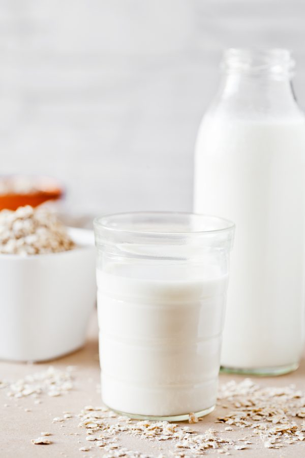vegan milk - oat milk