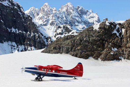 Denali-glacier-landing
